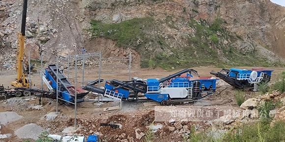 河南南阳履带碎石机顺利投产 时产200-300吨